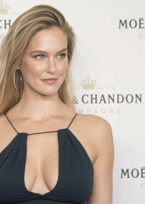 Bar Refaeli – Moet & Chandon Christmas in Madrid
