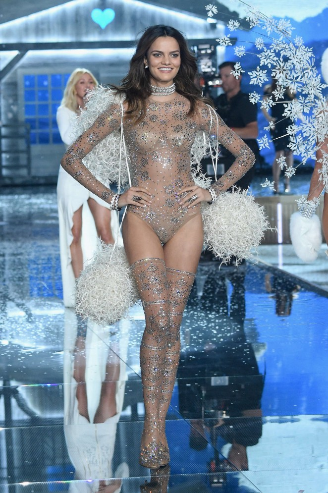 Barbara Fialho - 2015 Victoria's Secret Fashion Show Runway in NYC
