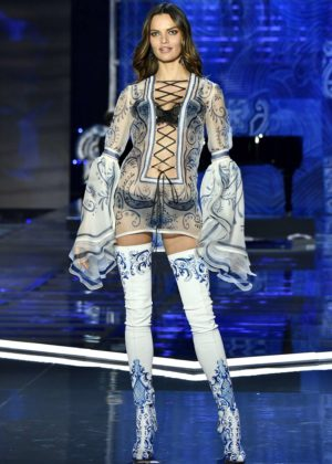 Barbara Fialho - 2017 Victoria's Secret Fashion Show Runway in Shanghai