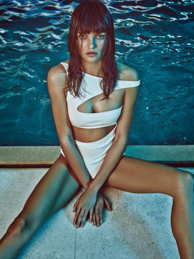 Barbara Fialho - Harper's Bazaar Brazil (January 2015) adds