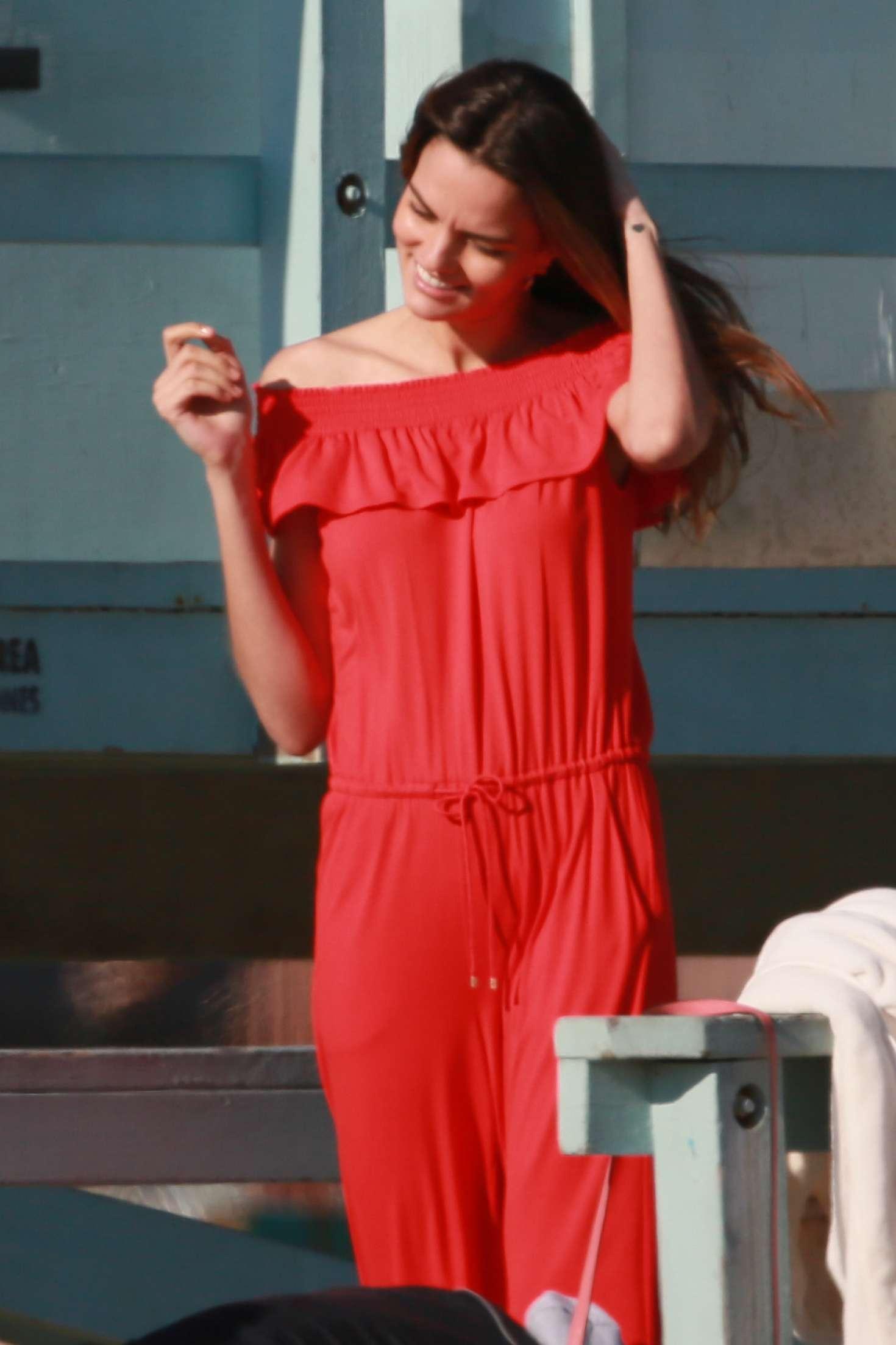 Barbara Fialho - Photoshoot a Tommy Hilfiger campaign on Venice Beach