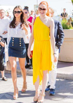 Barbara Meier in Yellow Dress at the Restaurant Eden Roc in Cannes
