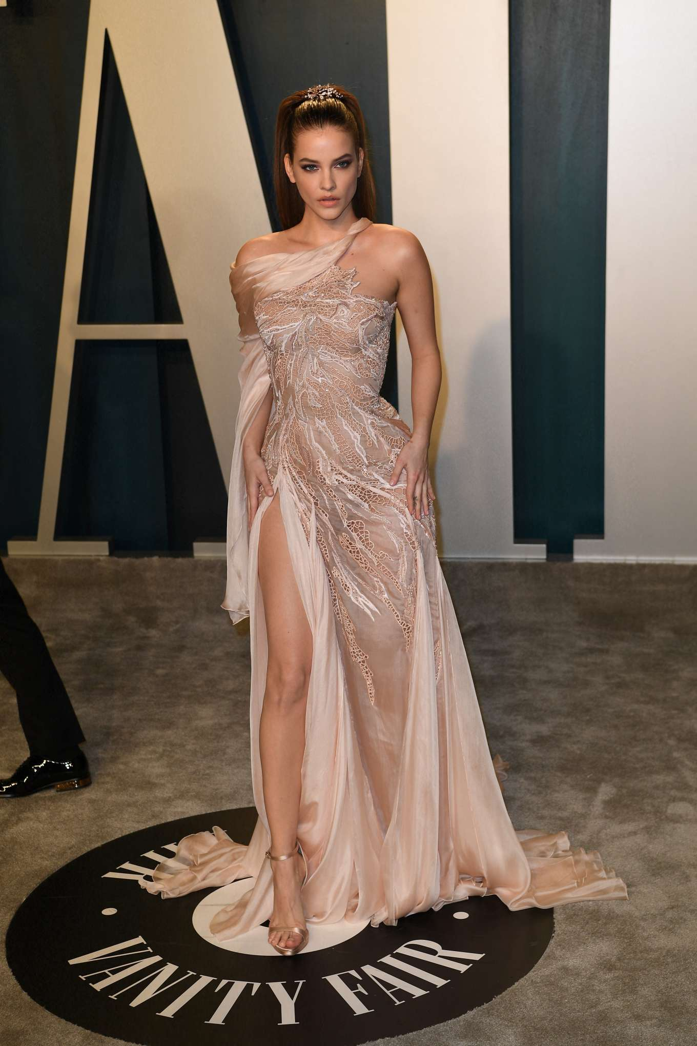Barbara Palvin 2020 Vanity Fair Oscar Party In Beverly Hills 48 Gotceleb