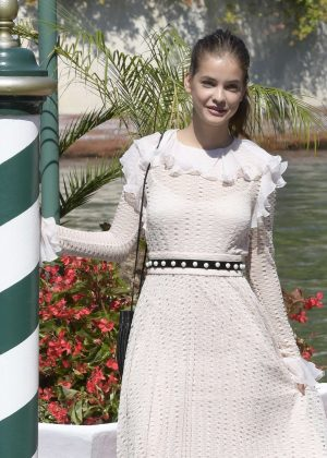 Barbara Palvin - Arrives at the Excelsior Hotel in Venice