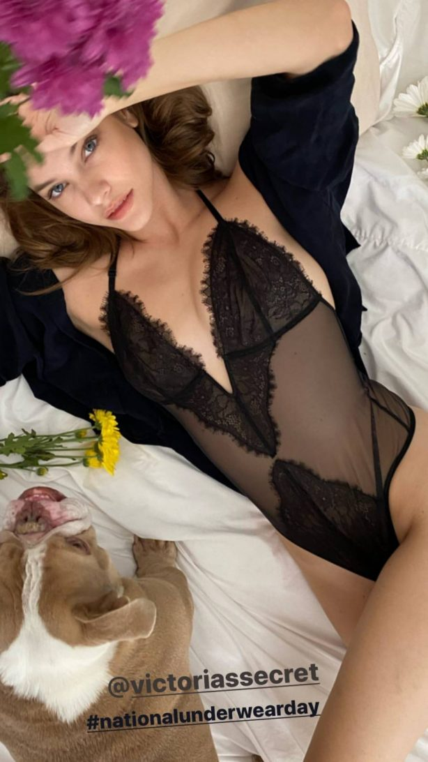 Barbara Palvin - Got social