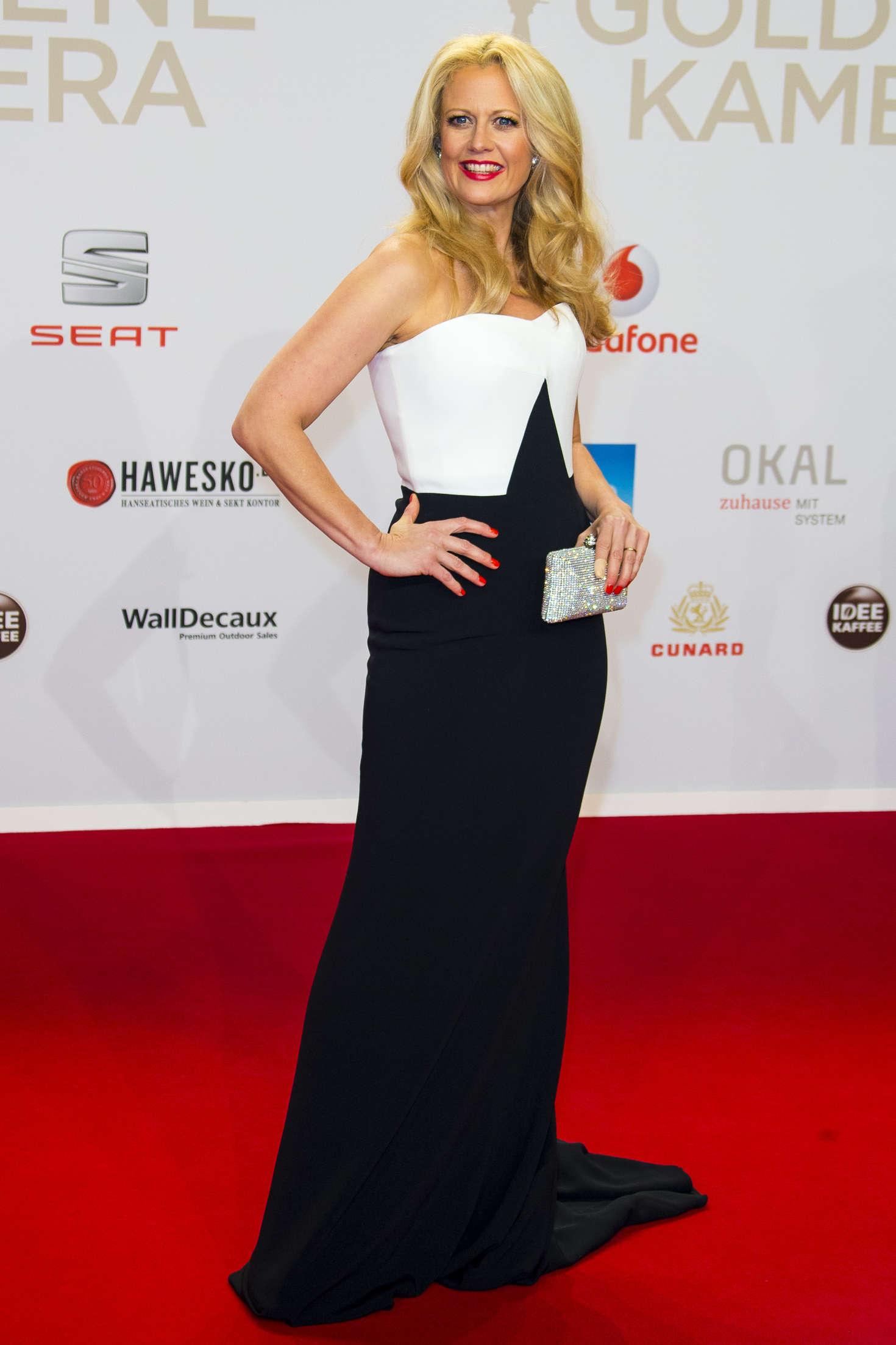 Barbara Schoneberger 2016 : Barbara Schoneberger: 51st Annual Goldene Kamera Award -06