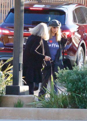 Barbra Streisand Shopping With A Friend In Malibu Gotceleb