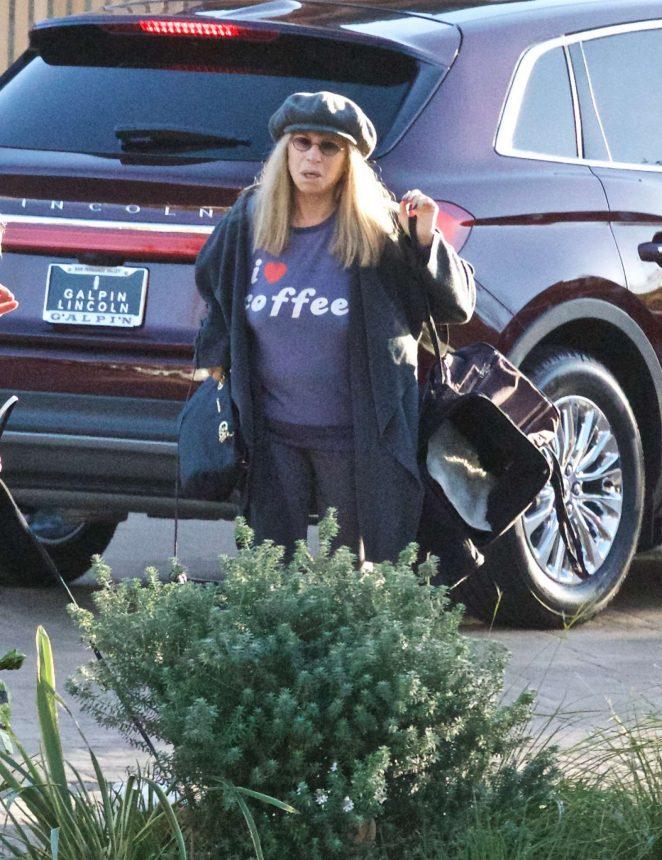Barbra Streisand - Shopping with a friend in Malibu