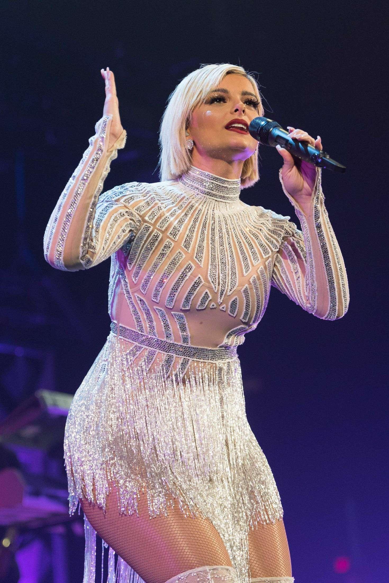 Bebe Rexha 2018 : Bebe Rexha: 103.5 KISS FMs Chicago Jingle Ball -01