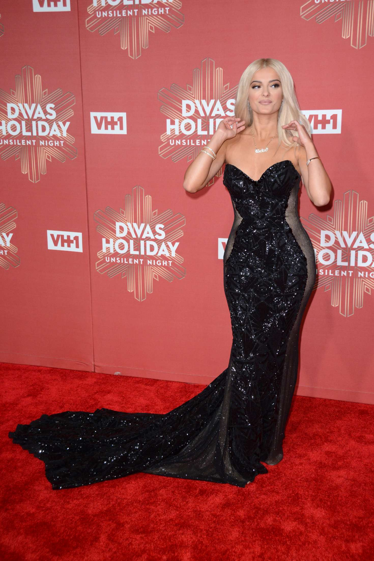 Bebe Rexha 2016 VH1s Divas Holiday Unsilent Night 04