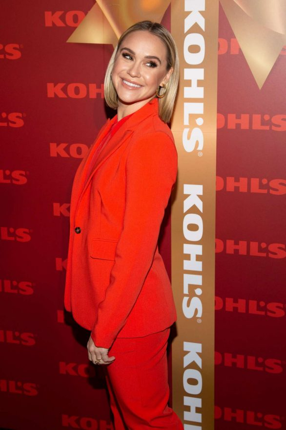 Becca Tobin - Kohl's 'New Gifts at Every Turn' Holiday Shopping Event in New York