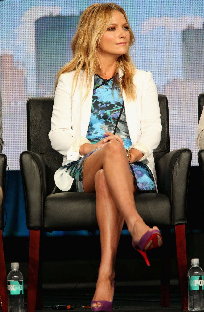 "Becki Newton - ""Weird Loners"" Panael at the TCA Press Tour in Pasadena"