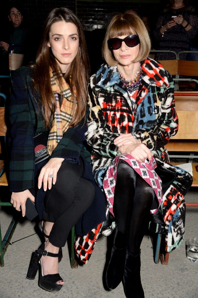 Bee Shaffer and Anna Wintour - Burberry Fashion Show 2018 in London