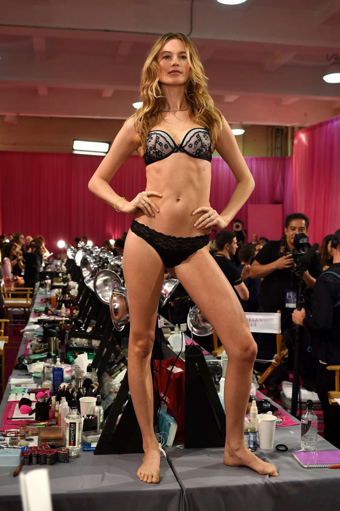 Behati Prinsloo - 2015 Victoria's Secret Fashion Show in NYC