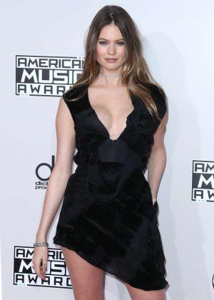 Behati Prinsloo - 2016 American Music Awards in Los Angeles