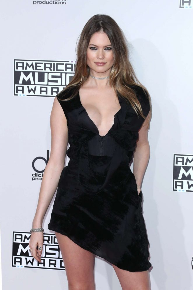 Behati Prinsloo - 2016 American Music Awards in Los Angeles