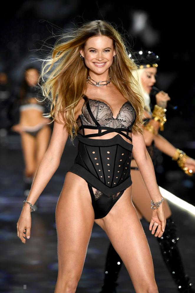 448845c3462 Behati Prinsloo – 2018 Victoria s Secret Fashion Show Runway in NY ...