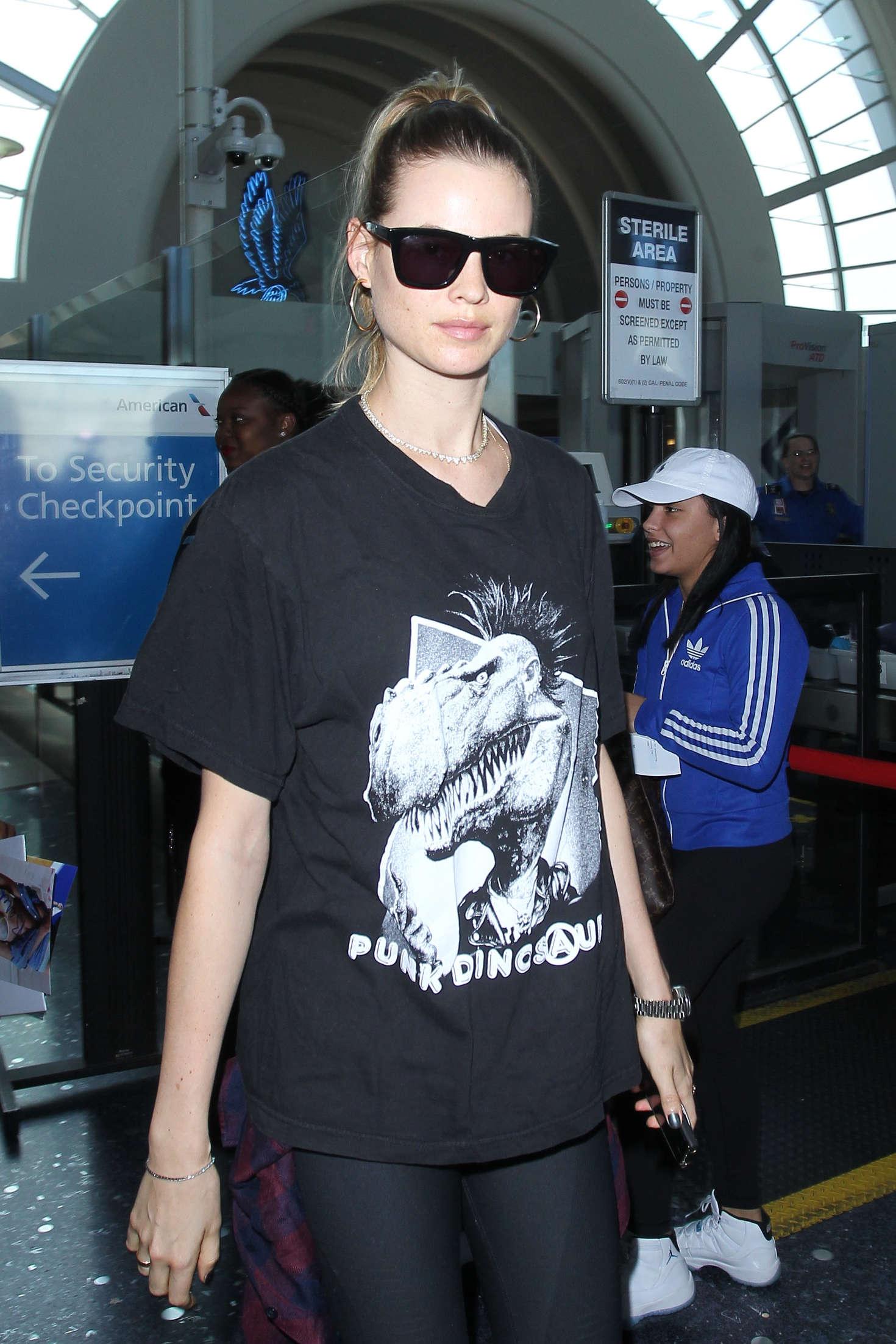 Behati Prinsloo - Arrives at LAX Airport in Los Angeles