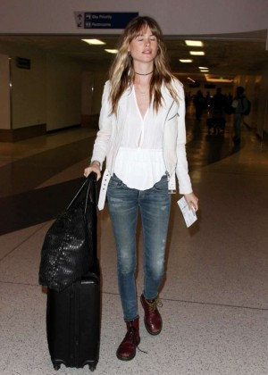 Behati Prinsloo Booty in Jeans at LAX -08