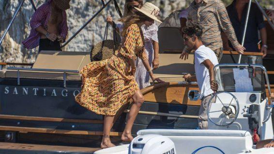 Belen Rodriguez 2019 : Belen Rodriguez – On a Vacation in Capri-01