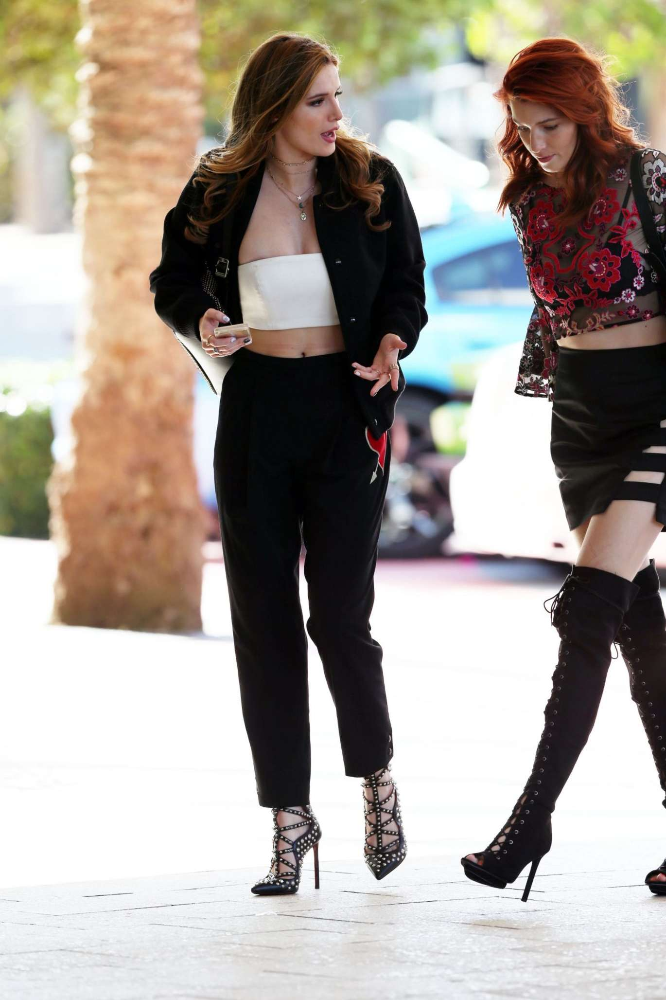 Bella Thorne 2016 : Bella and Dani Thorne at Their Hotel in Miami -02