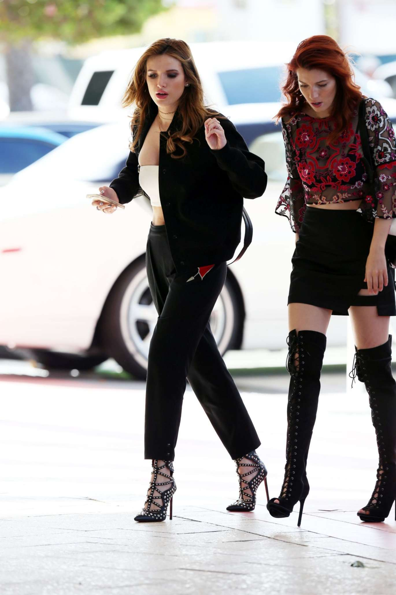 Bella Thorne 2016 : Bella and Dani Thorne at Their Hotel in Miami -04