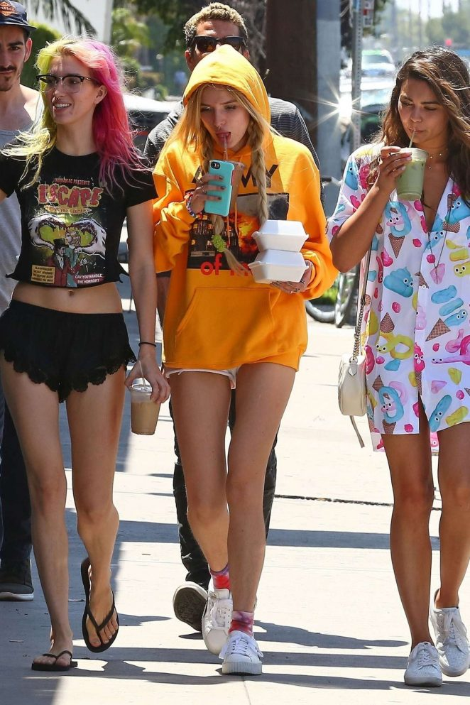 Bella and Dani Thorne out for lunch in LA -09