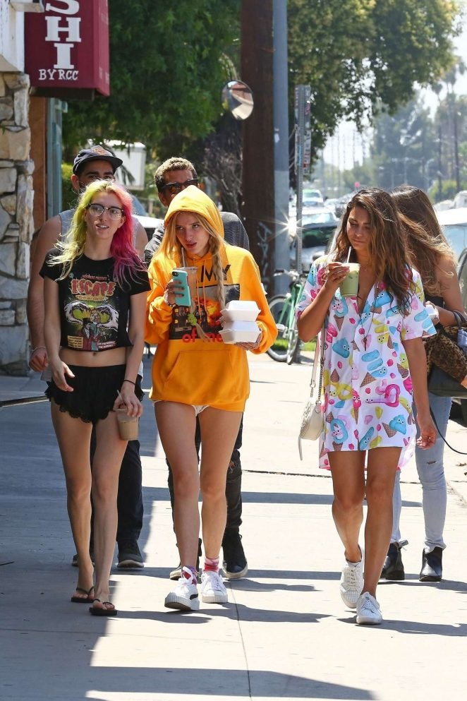 Bella and Dani Thorne out for lunch in LA -22