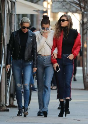 Bella. Gigi and Yolanda Hadid - Out and about in Manhattan