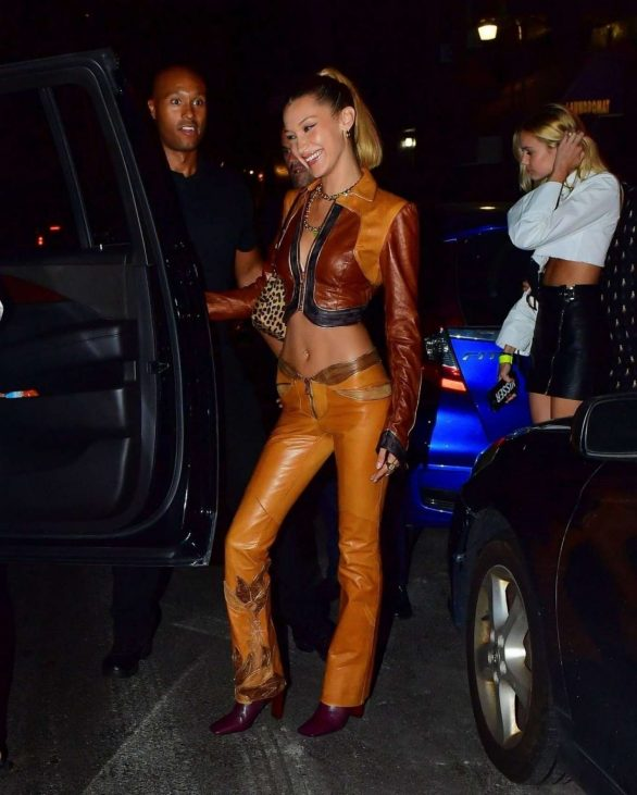 Kendall Jenner 2019 : Bella Hadid and Kendall Jenner at Avenue nightclub-01