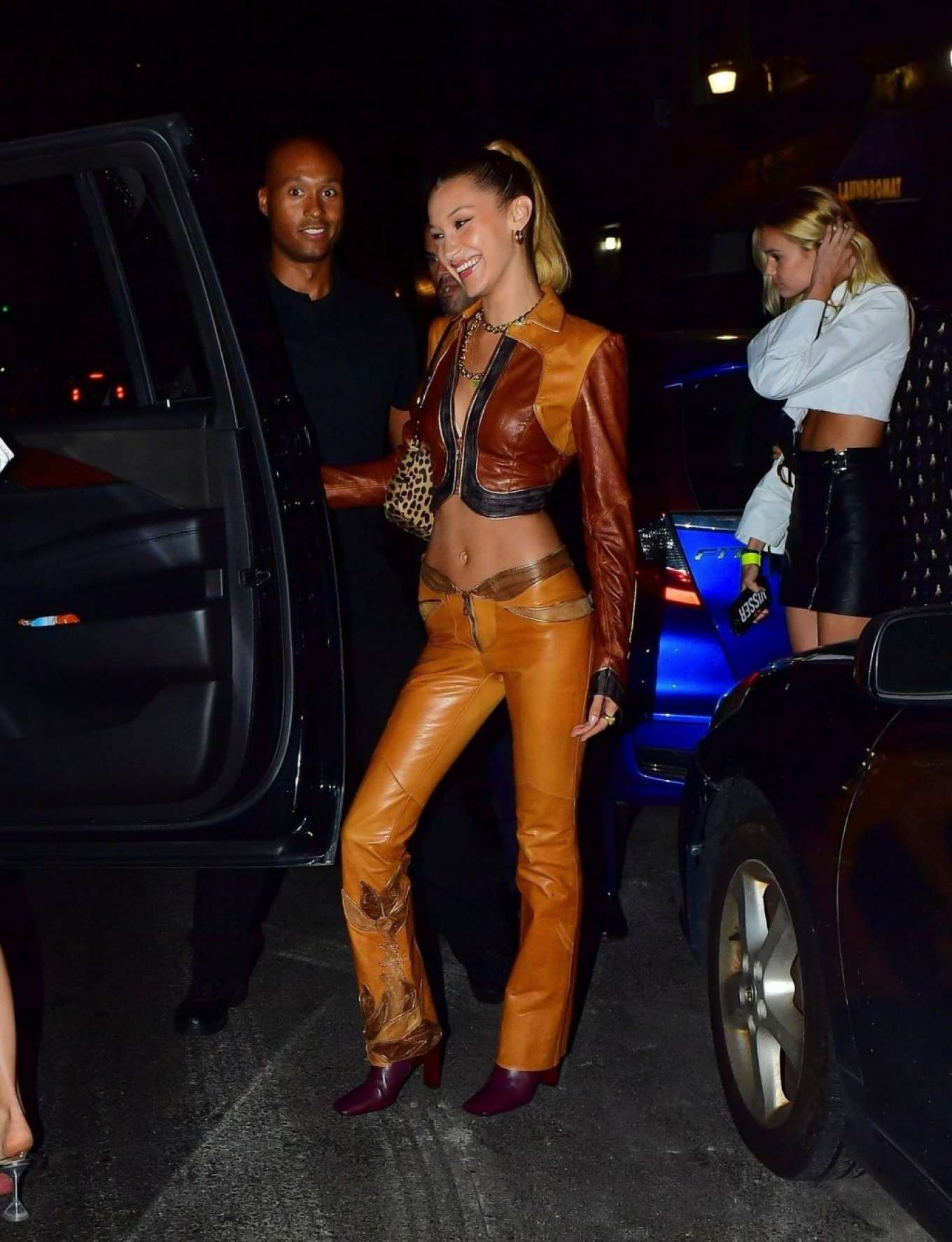 Kendall Jenner 2019 : Bella Hadid and Kendall Jenner at Avenue nightclub-05