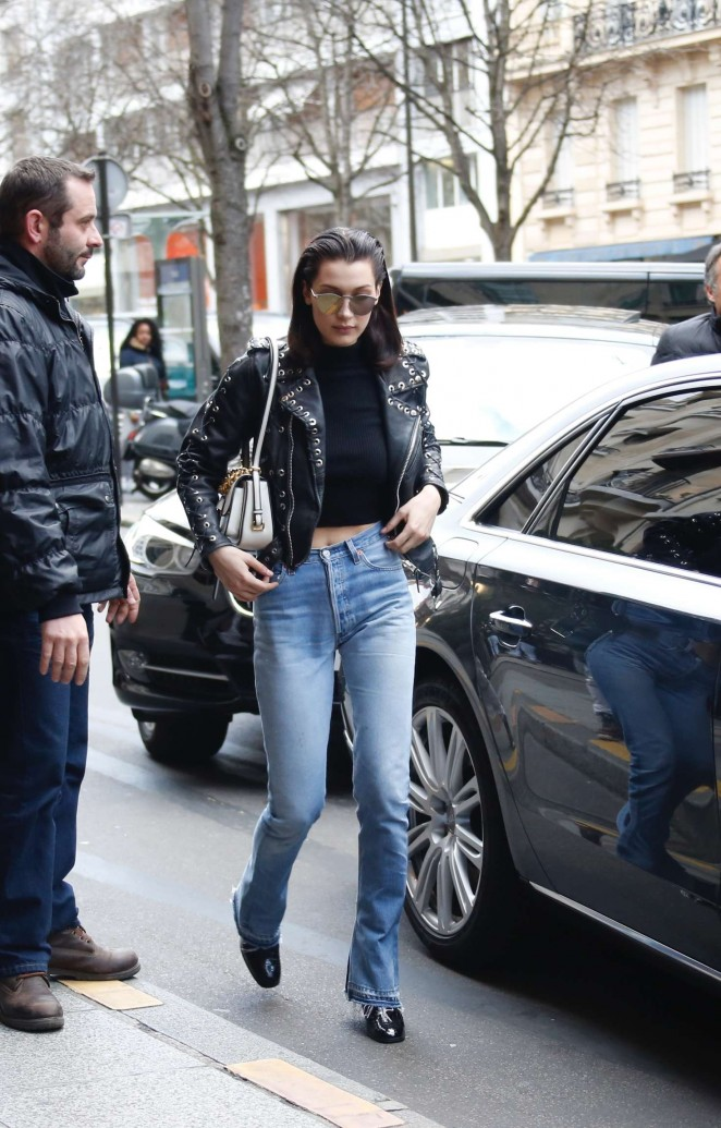 Bella Hadid: Arrives at her hotel -02