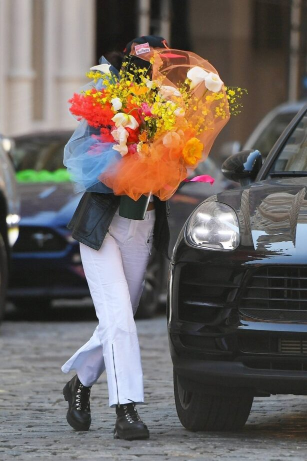 Bella Hadid - Arriving at her sister Gigi's birthday in New York