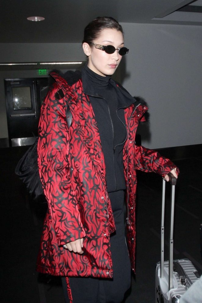 Bella Hadid - Arriving at LAX Airport in Los Angeles