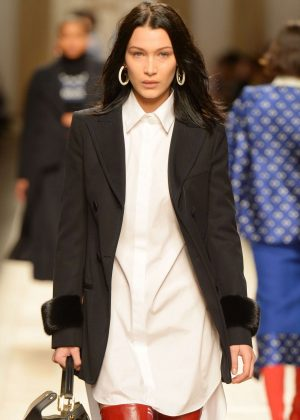 Bella Hadid - Fendi Runway Show at MFW 2017 in Milan