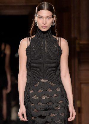Bella Hadid - Givenchy Menswear Fall/Winter 2017-2018 Show in Paris