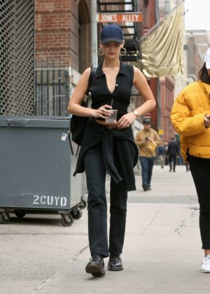 Bella Hadid - Grabs an iced coffee out in NYC