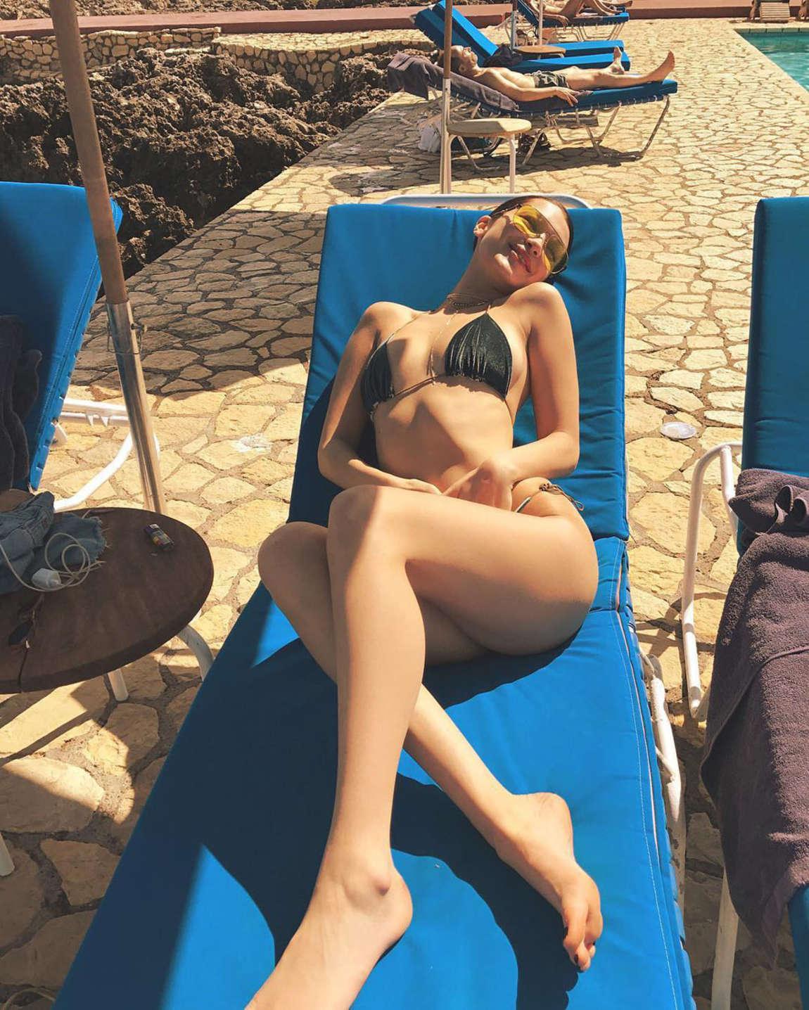 Bella Hadid Hot Instagram Pics  Gotceleb-1659
