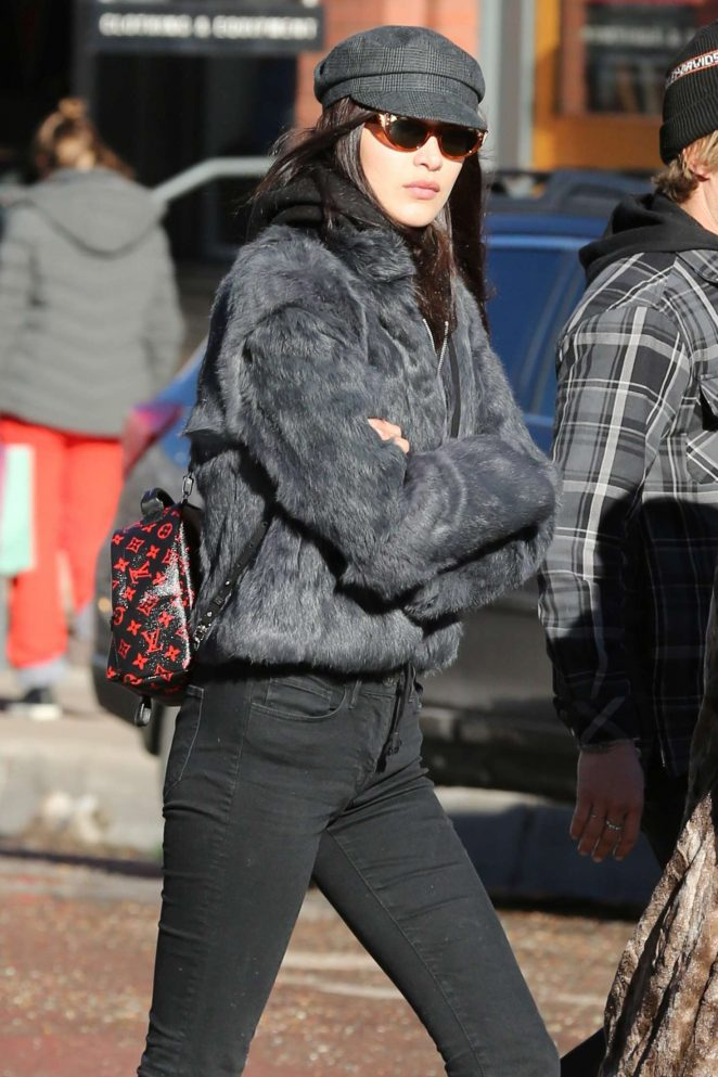 Bella Hadid in Black Jeans Spending her holidays in Aspen
