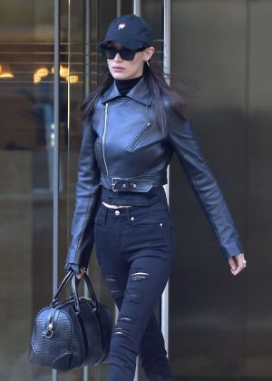 Bella Hadid - Leaves her apartment in New York