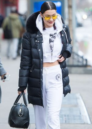 Bella Hadid Leaving her apartment in Manhattan