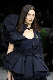 Bella Hadid - Off-White Runway Show at Paris Fashion Week 2020