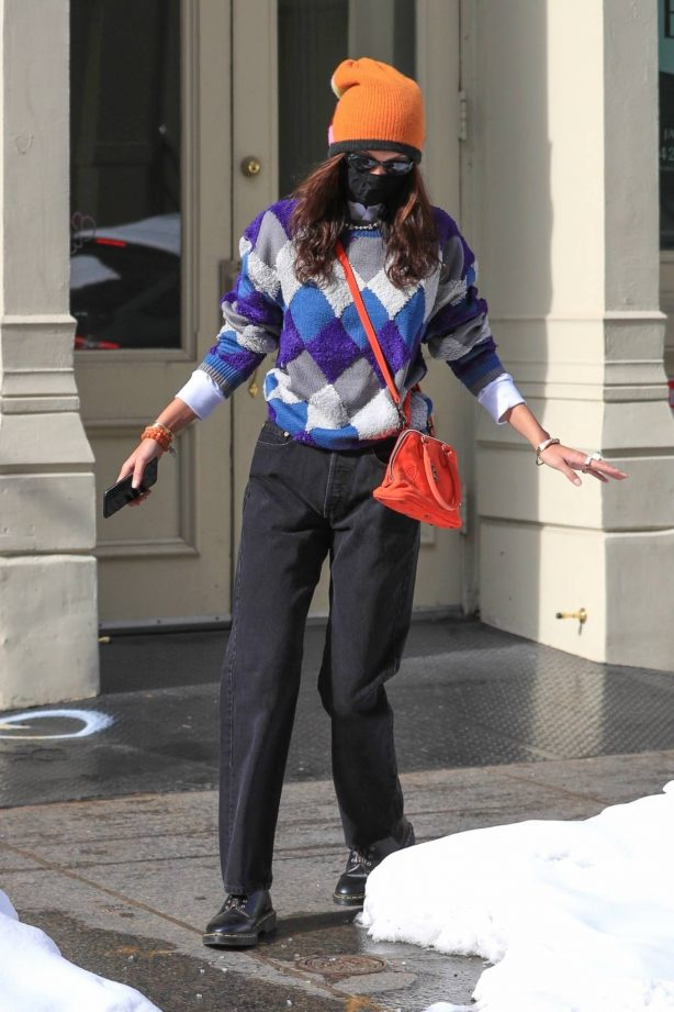 Bella Hadid - Out for lunch in New York