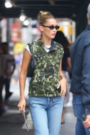 Bella Hadid - Out running errands in New York