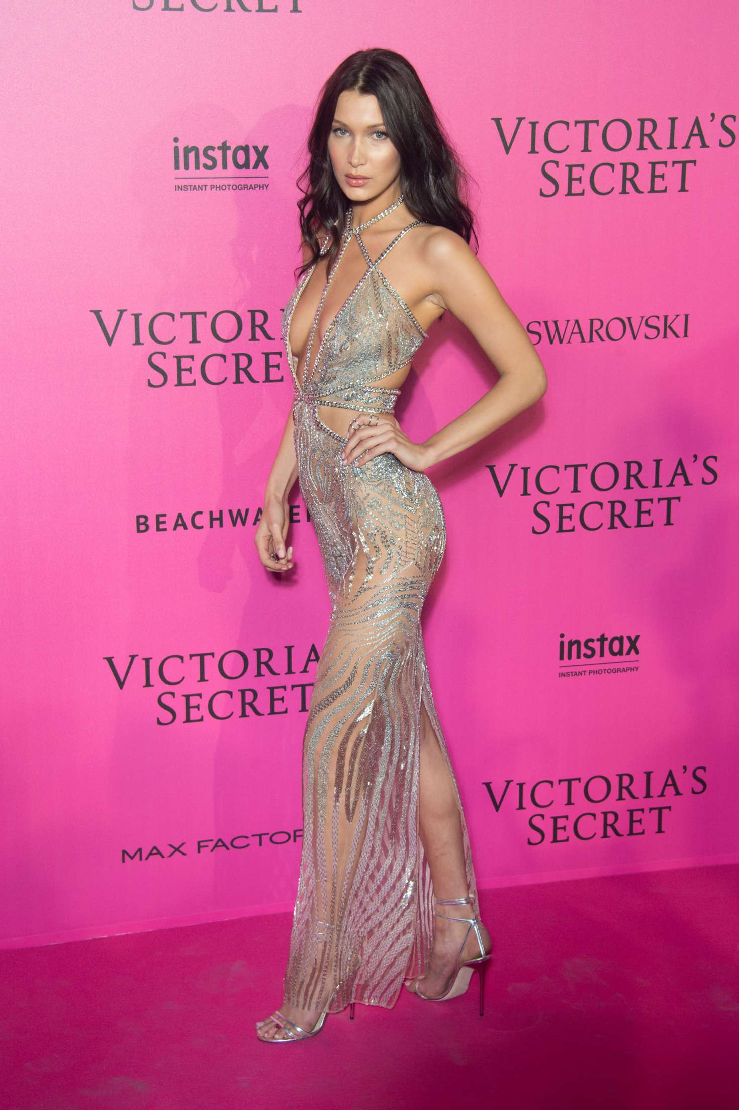 Bella Hadid Victorias Secret Fashion Show 2016 After