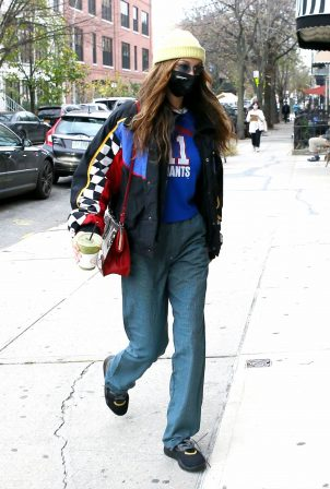 Bella Hadid - With Justine Skye shopping candids at a boutique in Brooklyn