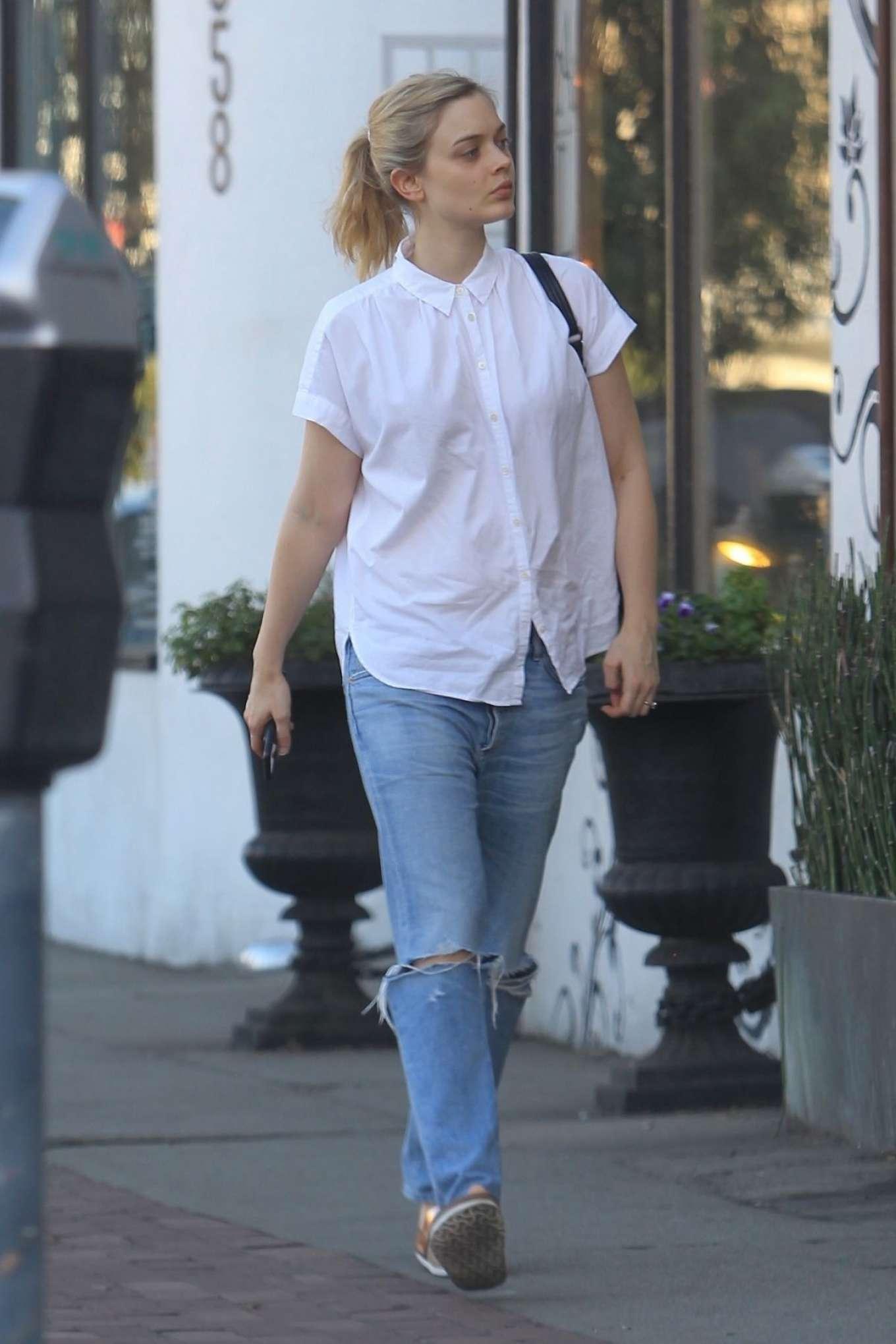 Bella Heathcote 2017 : Bella Heathcote in Jeans -03