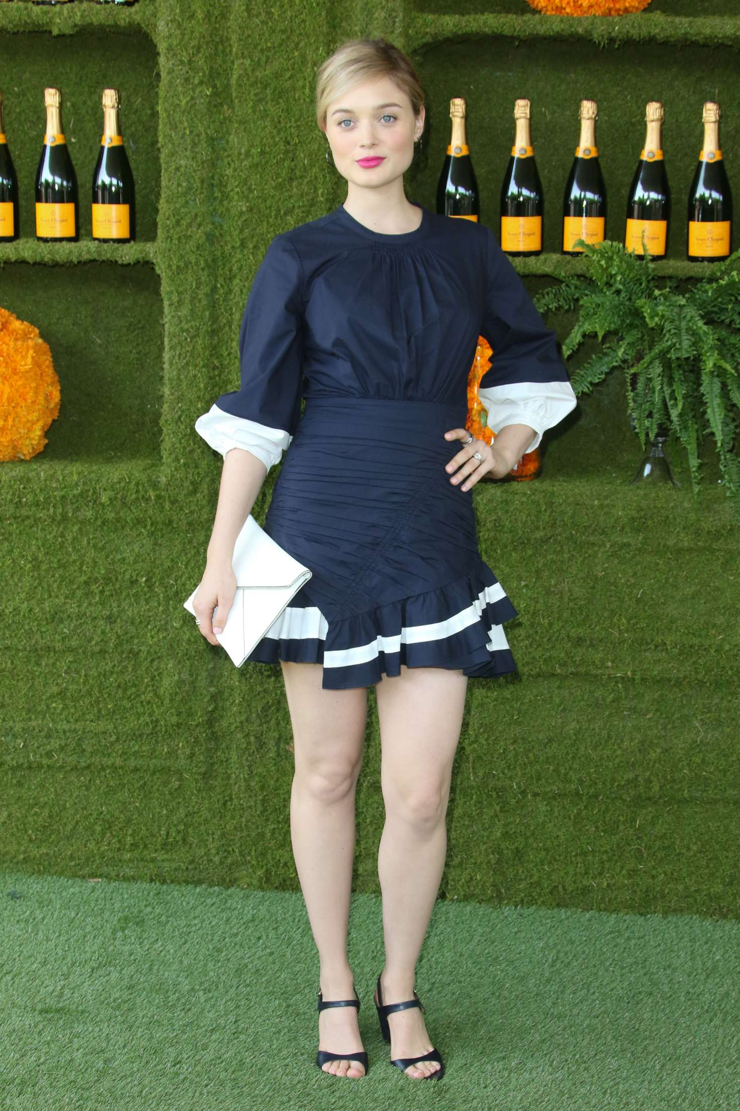 Bella Heathcote 2017 : Bella Heathcote: Veuve Cliquot Polo Classic in LA -05