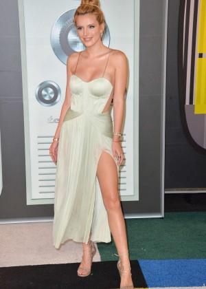 Bella Thorne: 2015 MTV Video Music Awards -01