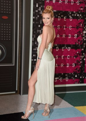 Bella Thorne: 2015 MTV Video Music Awards -02